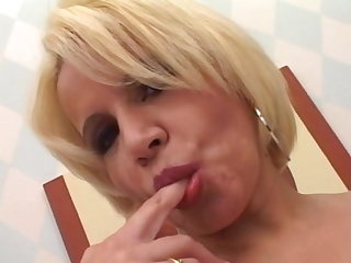 Cum Swallowing Mature Action !!