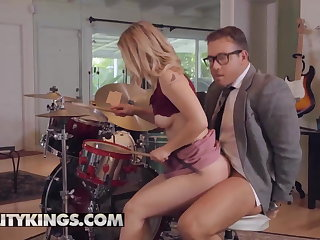 Kissing Sneaky Sex - Abby Adams Chad White - Pound Her Drums