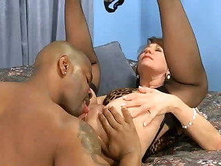 Saggy Tits Mature Lady Gets a Creampie from BBC co-worker