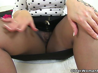 Doggy Style Curvy milf Toni Lace from Scotland teaches you a lesson