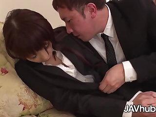 Norwegian Geile Japanerin auf der Couch gefickt