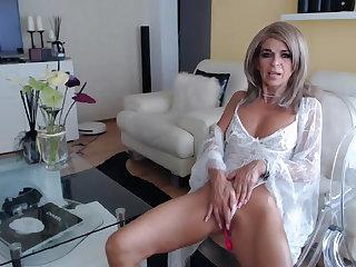Vibrator Sexy grandma in sex chat 2