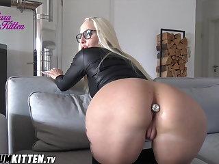 Rough Sex Lara CumKitten -  PRALLARSCH Posing Extrem