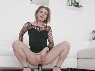 Ukrainian Gangbang waka waka – mature slut
